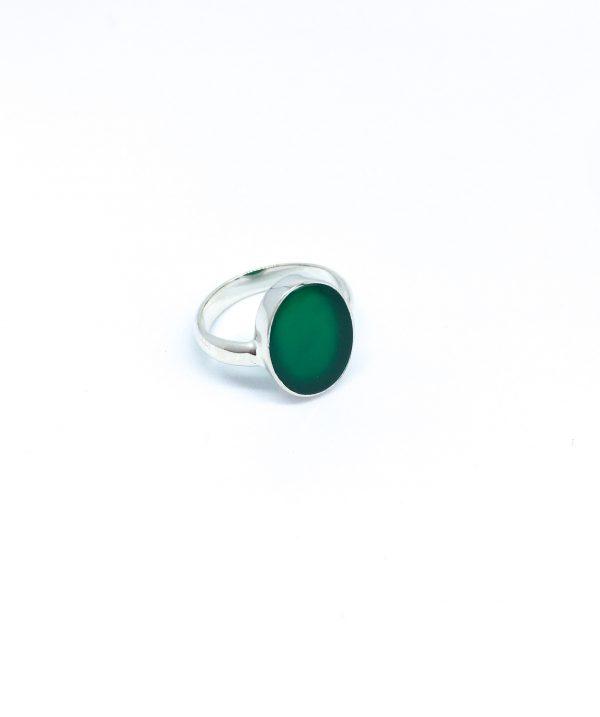 Zilveren ring met edelsteen
