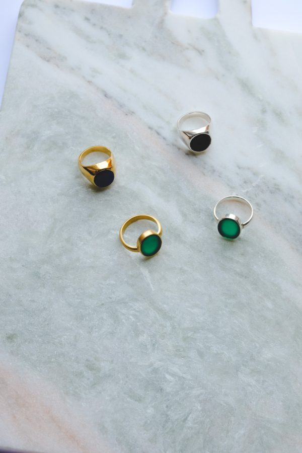 ringen met edelstenen
